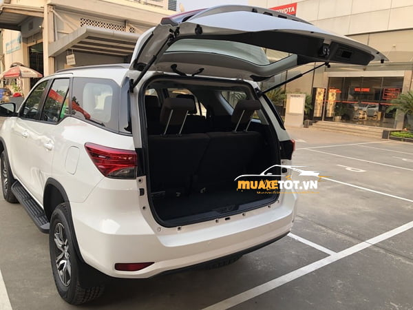 Toyota Fortuner 2.4G 4×2 MT anh 9
