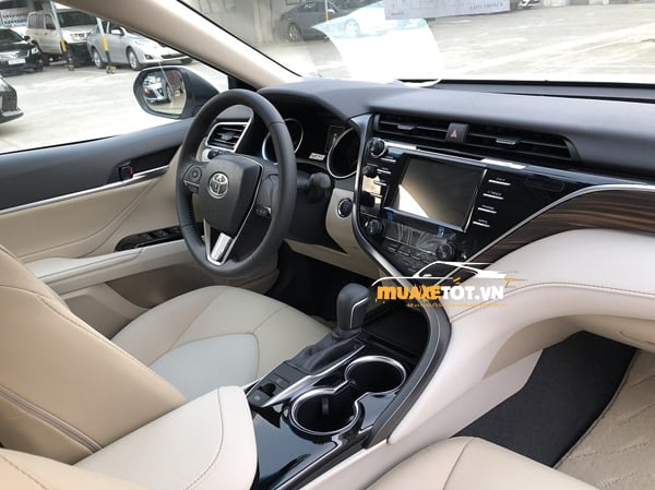 toyota camry 2.0g anh 17
