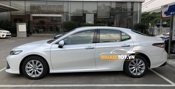 toyota camry 2.0g anh 19