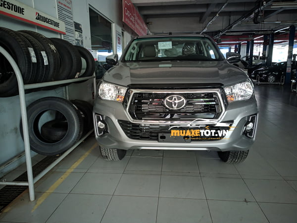 Toyota Hilux 2.4 4x2 AT anh 06