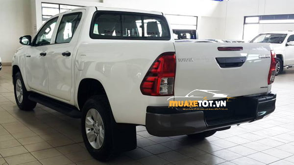Toyota Hilux 2.4 4x2 MT anh 07