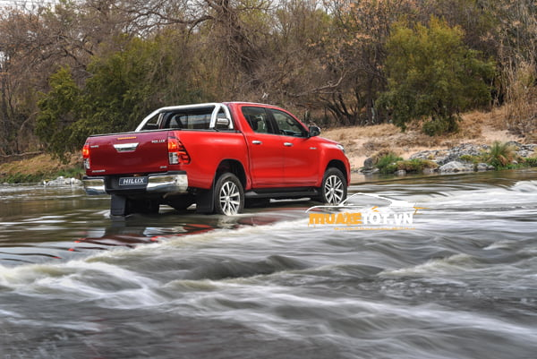 Toyota Hilux 2.8G 4x4 AT anh 08