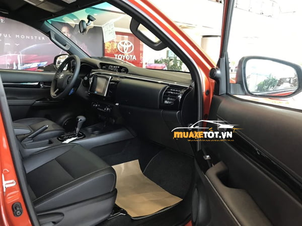 Toyota Hilux 2.8G 4x4 AT anh 21