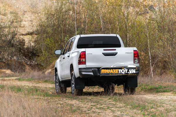 ban tai Toyota Hilux 2020 anh 01